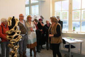 Opening-anneke-douma-expositie-vrouwen-over-leven-kledingontwerp-Hilde Huisman-kostuumontwerper-leeuwarden